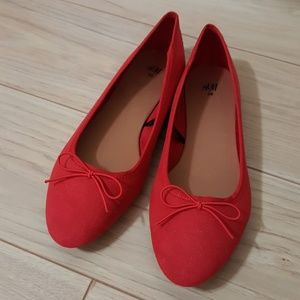 H&M Red Ballet Flats with bow NWOT size 7